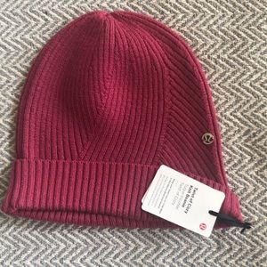 NWT Lululemon Twist of Cozy Knit Beanie